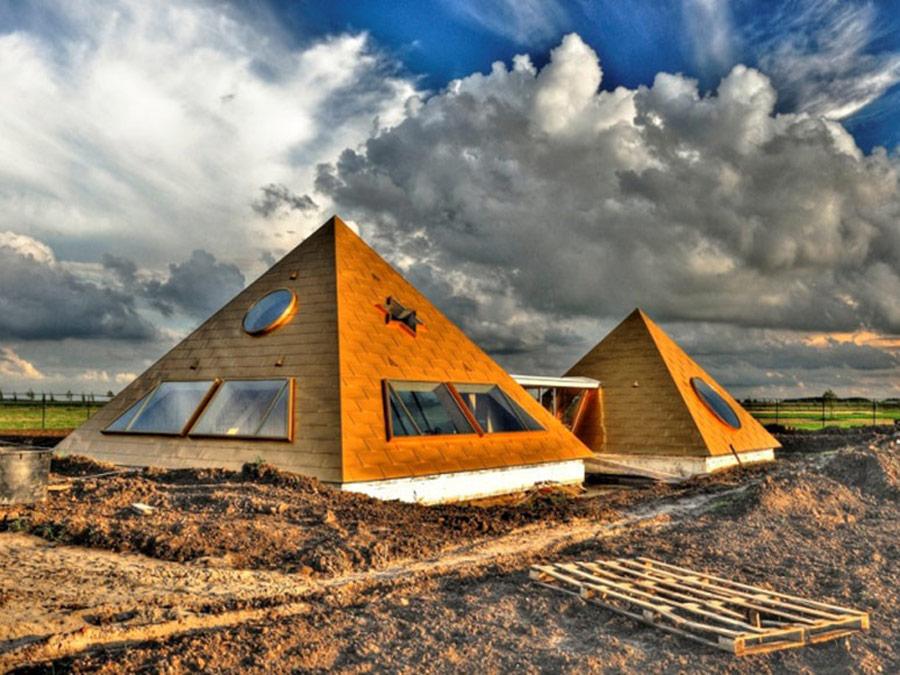 piramides almere